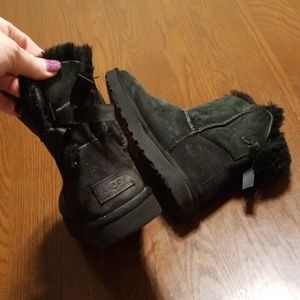 Ugg Bailey boot short bow black USED Rk:3:19